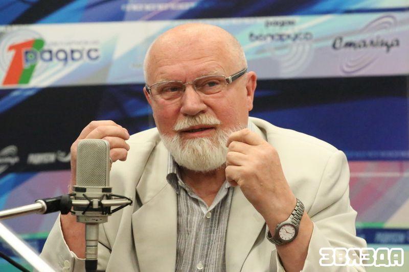 Акцёр тэатра імя Янкі Купалы-Уладзімір Рагаўцоў.