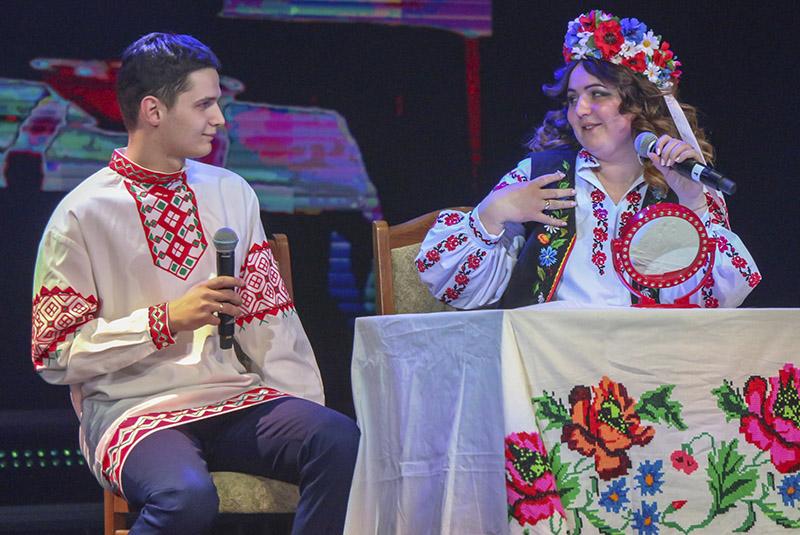 Андрэй і Вольга Астроўскія:  «Ну што, Вакула, здабудзеш мне царскія чаравічкі?»