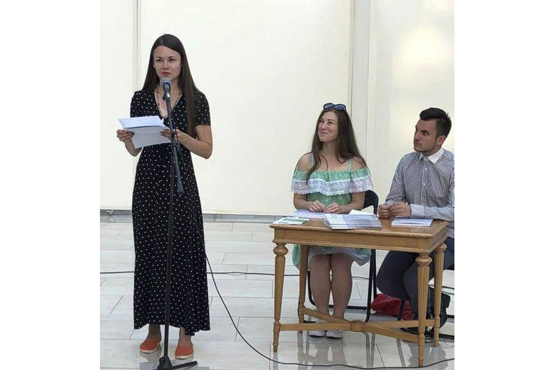 Юлия Алейченко и ведущие презентации в Киеве Олеся Мифтахова  и Юрий Витяк.