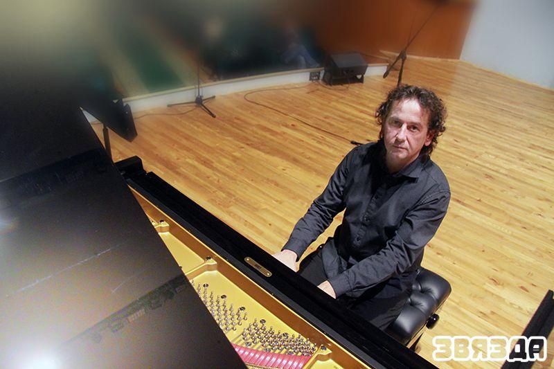 """Гучаць першыя фартэпіянныя акорды """"Ронда"""" Моцарта."""