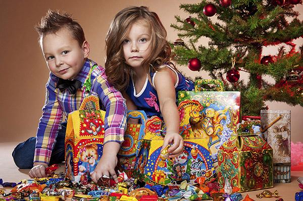 Новогодние подарки для ребенка 2 лет 60