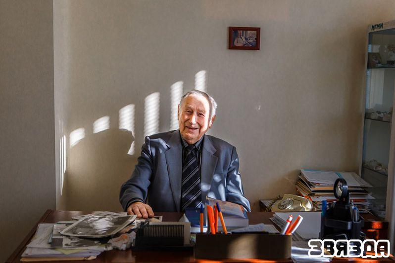 Профессор Леонид Степанович Величко: «Спрашивают, почему на пенсию не ухожу. Так теперь рай для специалистов!»