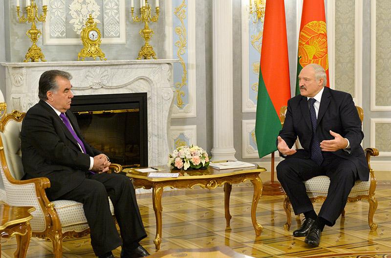 Александр Лукашенко проведет переговоры сЭмомали Рахмоном