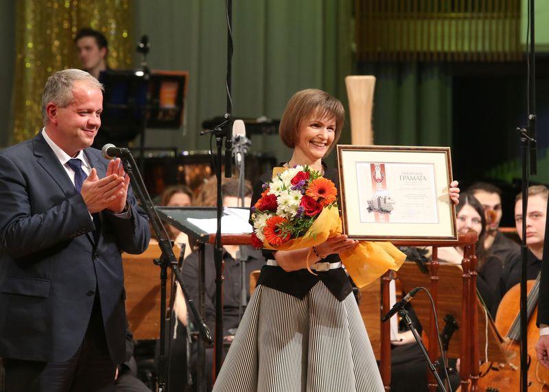 Министр культуры Юрий Бондарь и Екатерина Дулова на праздновании 85-летнего юбилея Белорусской академии музыки