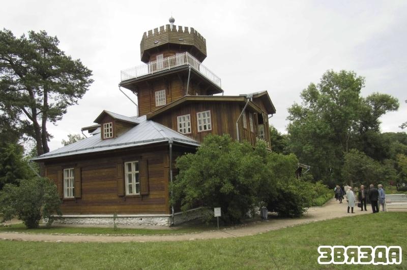 В музее-усадьбе Репина под Витебском.