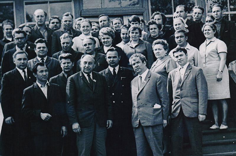 Сергей Граховский, Мустай Карим, Валентин Распутин  среди других писателей и руководителей края. 1972 год.
