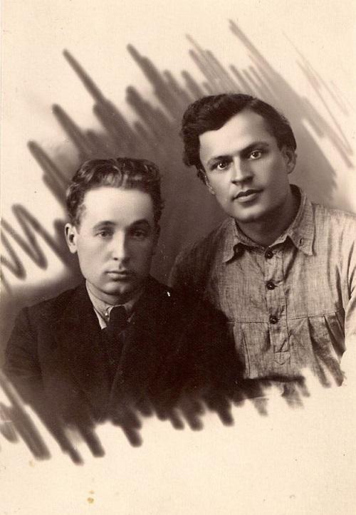 Кузьма Чорны і Адам Бабарэка. Ліпень 1925 года. З фондаў БДАМЛМ.
