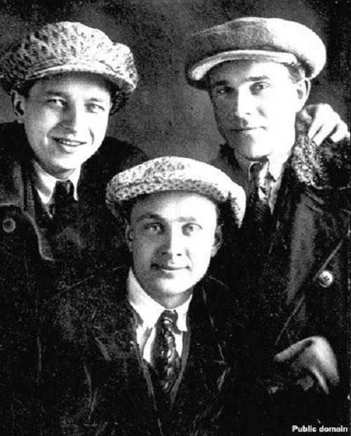 А. Дудар, В. Маракоў, М. Нікановіч, 1932 г.
