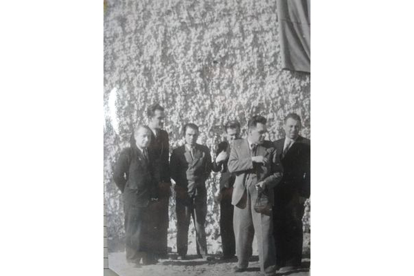 Янка Брыль сярод пісьменнікаў падчас Дэкады беларускай літаратуры ў Таджыкістане, 1965 г.