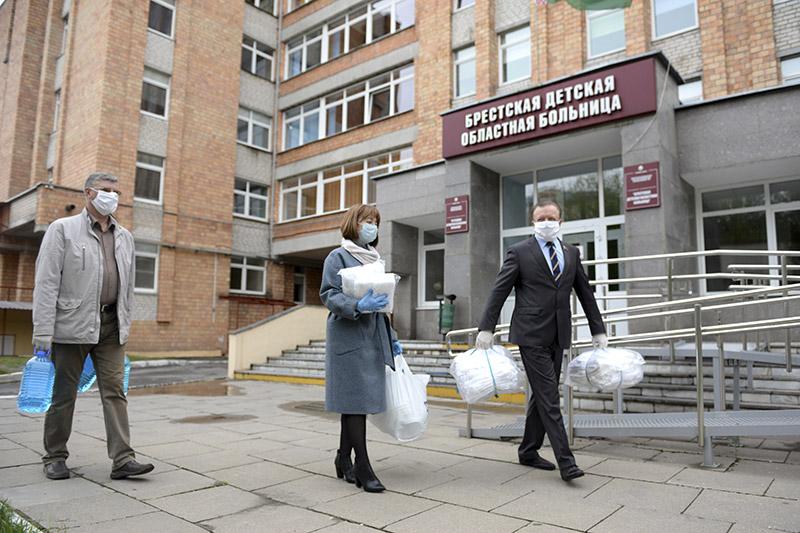 На першым плане — Марына Васько i Анатоль Дашко.