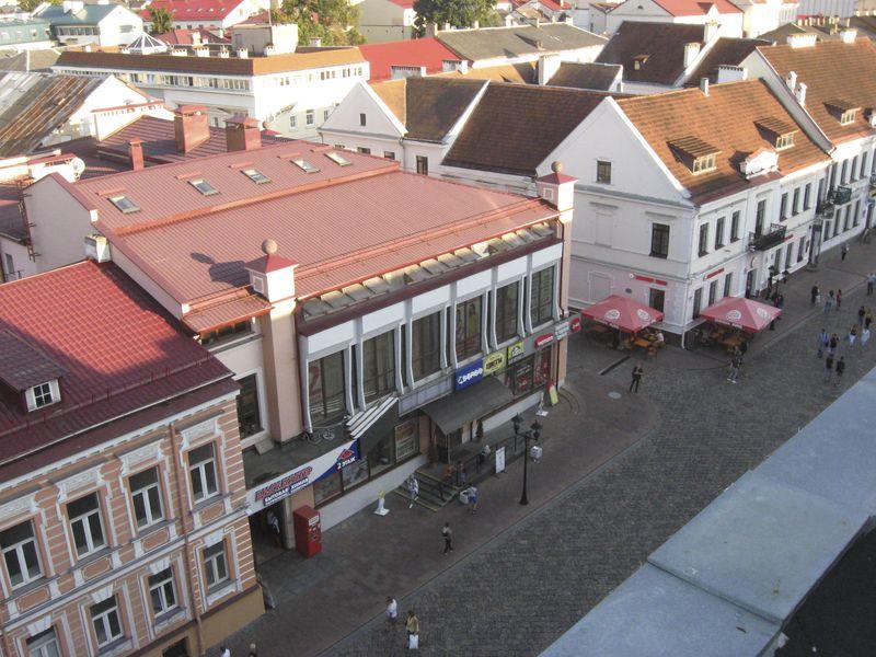 Так выглядае гістарычны цэнтр Гродна з аглядальнай пляцоўкі кафэ «Дах свету», што на вуліцы Савецкай.
