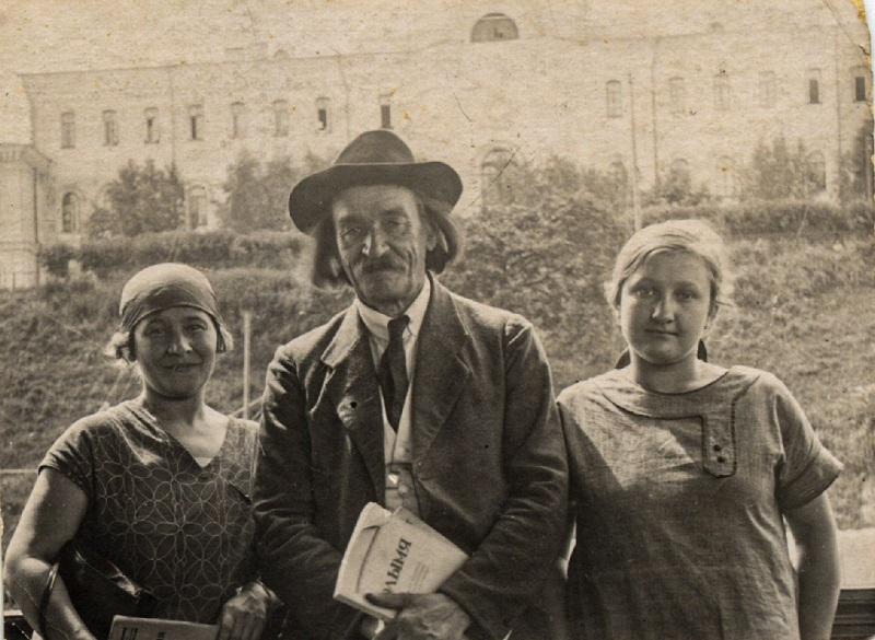 Адам Багдановіч з супрацоўніцамі часопіса «Полымя». Мінск, 1923 г.