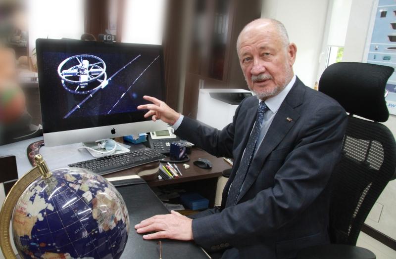 Анатолий Эдуардович Юницкий.