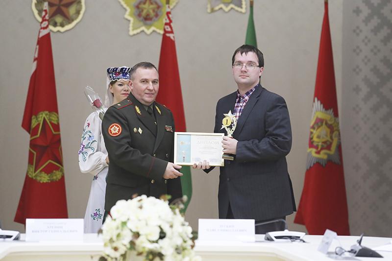 Карэспандэнт «Звязды» стаў лаўрэатам конкурсу Міністэрства абароны