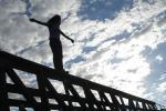 У Пінску мужчына скочыў з моста ў раку