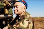 Участники Великой Отечественной стреляли из пушек вместе с молодыми артиллеристами
