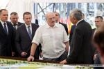 Аляксандр Лукашэнка падчас наведвання БНБК: Гэта больш чым космас