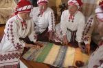 Гульня «ў камушкі», музей шапавальства і песні для сватоў