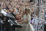 Семилетняя пианистка открыла «Джазовые вечера» возле Ратуши