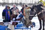 В деревне Судилы устроили реконструкцию свадебного обряда