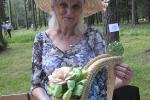 Астравецкая майстрыха збіраецца на пенсію ў 90 гадоў