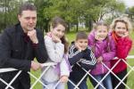 Победитель «Материнской славы»: С тремя детьми может справиться каждая пара