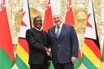 Лукашэнка бачыць вялікі фронт працы для Беларусі ў Зімбабвэ