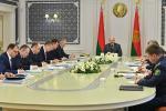 Лукашэнка: Ні адзін жыхар Беларусі, ні адно прадпрыемства не павінны адчуць на сабе наступствы ад рознага роду манеўраў