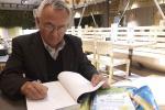 Уйгурский писатель Авут Масимов: Хочу подарить детям улыбку