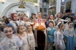 На «Калядную ёлку» прыехала больш за 1,5 тысячы маленькіх беларусаў