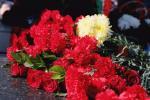 К памятнику народному поэту Башкортостана Мустаю Кариму возложили цветы
