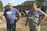 Як фермер працуе на зямлі, якая належала яго бацькам і дзядам