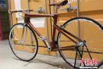 Велосипед из розового дерева