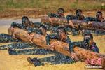 Китайские военные прошли жесткое учение