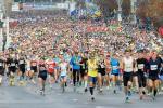 Сегодня в Минске полумарафон бегут больше 40 тысяч человек из 68 стран
