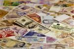 Беларусы ў студзені-маі купілі валюты на $580,5 млн больш, чым прадалі
