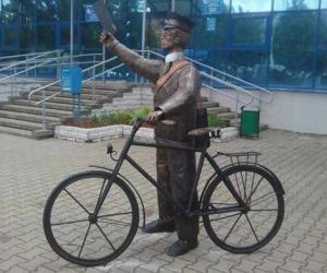 Скульптура паштальёна з'явілася ў Жодзіне