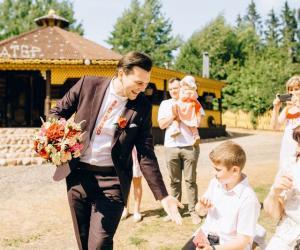 Дизайнер из Орши устроила свадьбу с белорусским колоритом