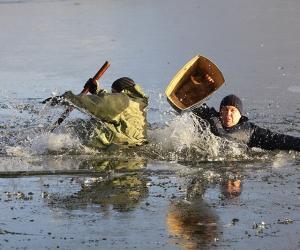 Як трэба бяспечна паводзіць сябе на лёдзе?