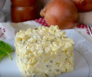 Хатняя энцыклапедыя. Гатуем цыбульную салату, яблычны заліўны пірог, імбірны джэм