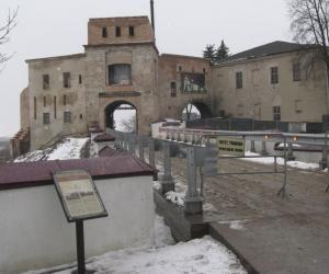Старый замок в Гродно начали украшать художественными элементами