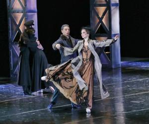 Драма мовай танца