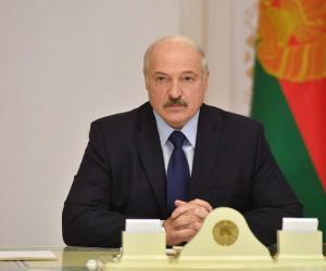 Аляксандр Лукашэнка адказаў на крытыку ў СМІ і інтэрнэце