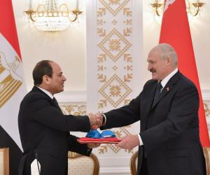 Аляксандр Лукашэнка ўзнагародзіў прэзідэнта Егіпта ордэнам Дружбы народаў