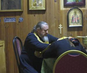 Что ищут семьи, которые едут к отцу Валериану в поселок Смиловичи?
