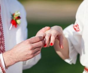 Чтобы провести свадебную церемонию в соответствии со старинными обрядами, в Копыльский краеведческий музей приезжают пары из разных уголков Беларуси