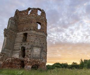 Призраки белорусских стен. Балы в разрушенном замке
