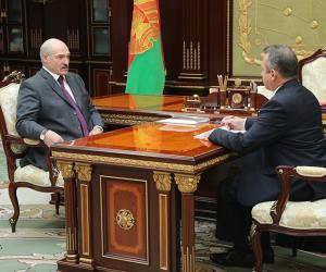 Кіраўнік дзяржавы сустрэўся са старшынёй праўлення «Беларусбанка»