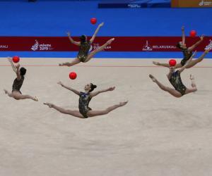 Гімнасткі сталі лепшымі ў групавых практыкаваннях