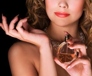 Как заставить летний парфюм «сидеть» на коже весь день